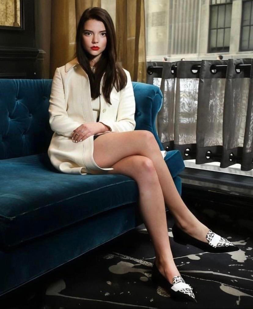 Anya Taylor-Joy – 10+ Free Images – Sexy, Hot, and always Fappable!