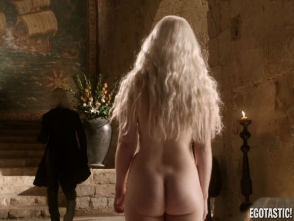 emilia-clarke-nude-game-of-thrones-cap-03-580x435-1