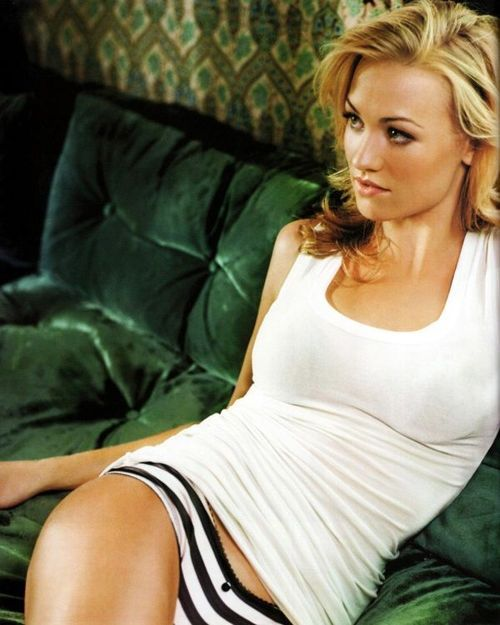 Yvonne Strahovski – 10+ Our of Our Favorite Free, Sexy Image
