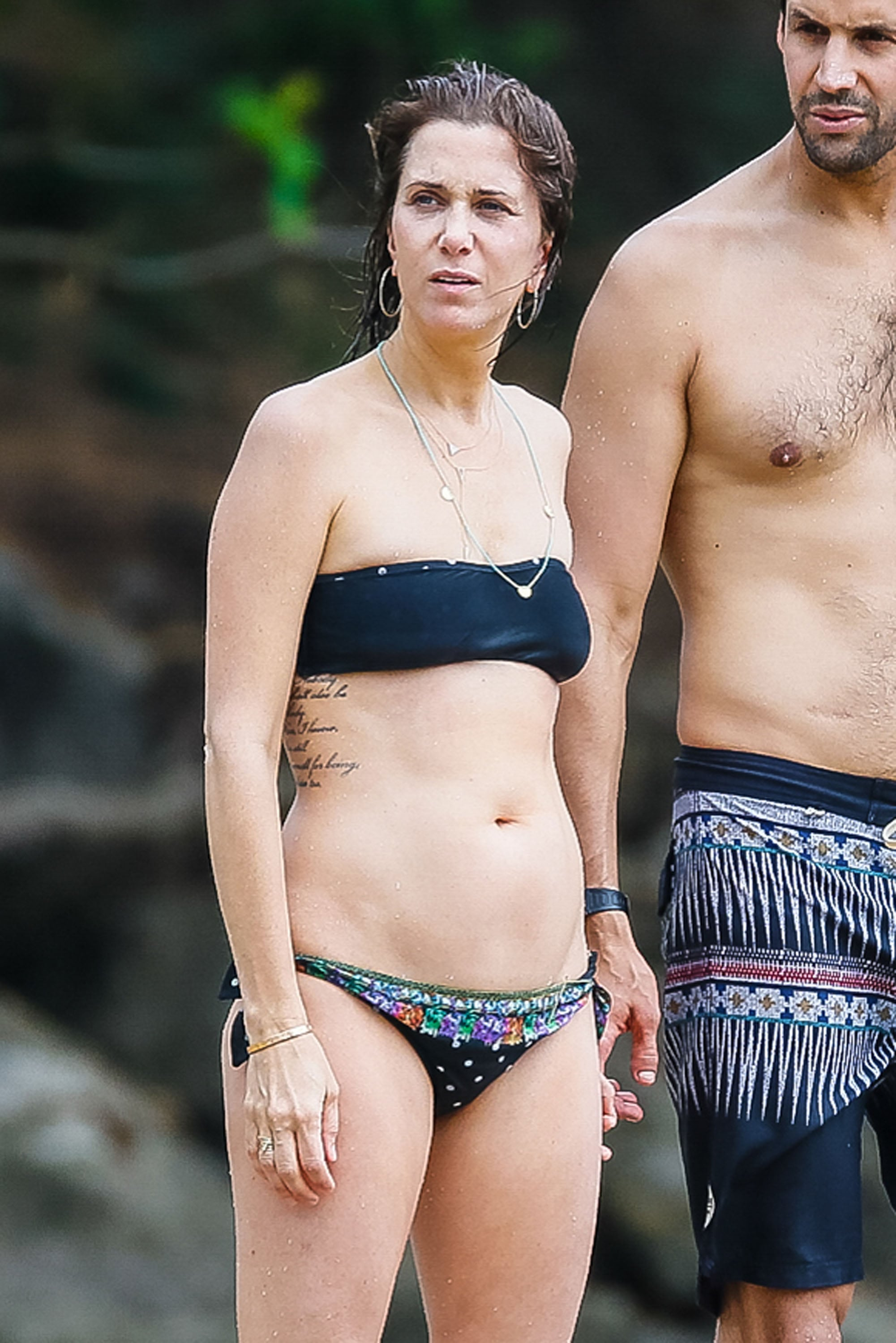 Kristen-Wiig-escaped-Hawaii-romantic-vacation-her