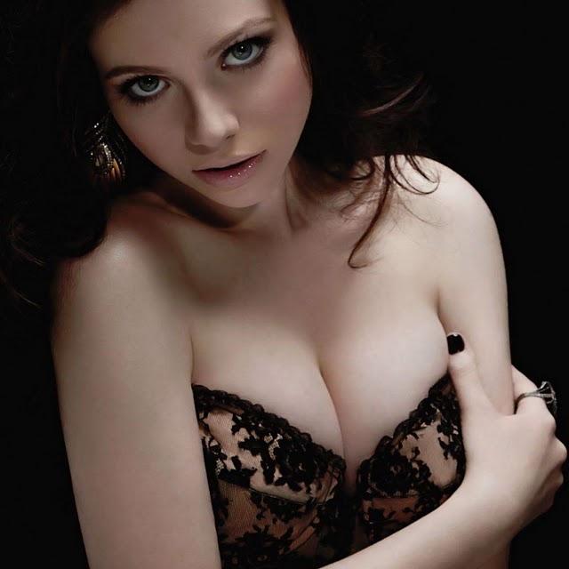 Michelle_Trachtenberg_Maxim_2011_busty_sexy_leggy_cleavage_1