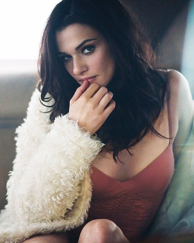 Rachel-Weisz-awesome-pic