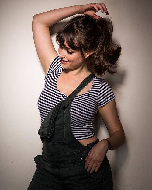 Milana Vayntrub – 4+ Images – Sexy, Hot, Quality – The best!